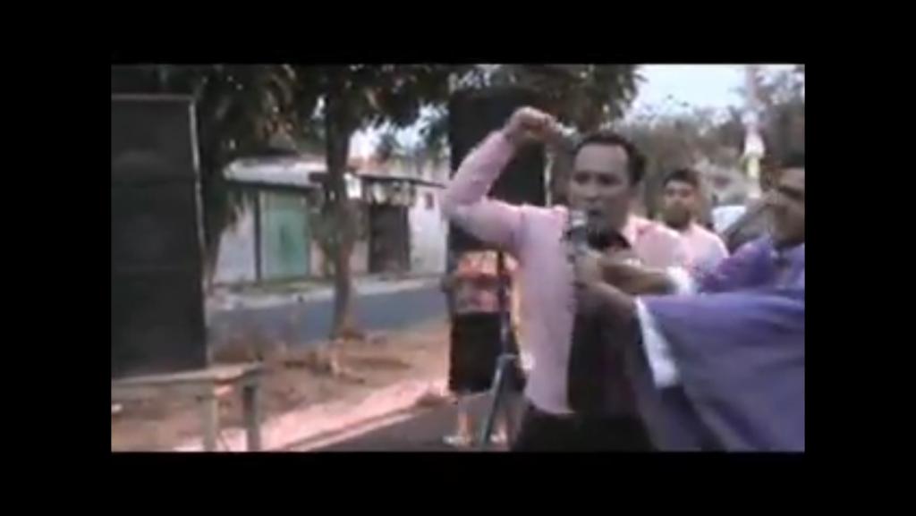 Sacerdote católico desbarata actividad evangélica en Católico Ilopango Colonia Altavista El Salvador