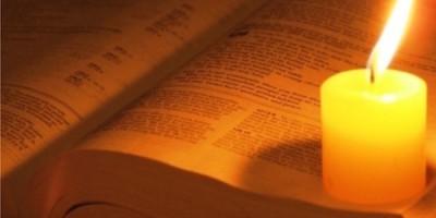 Bible y vela